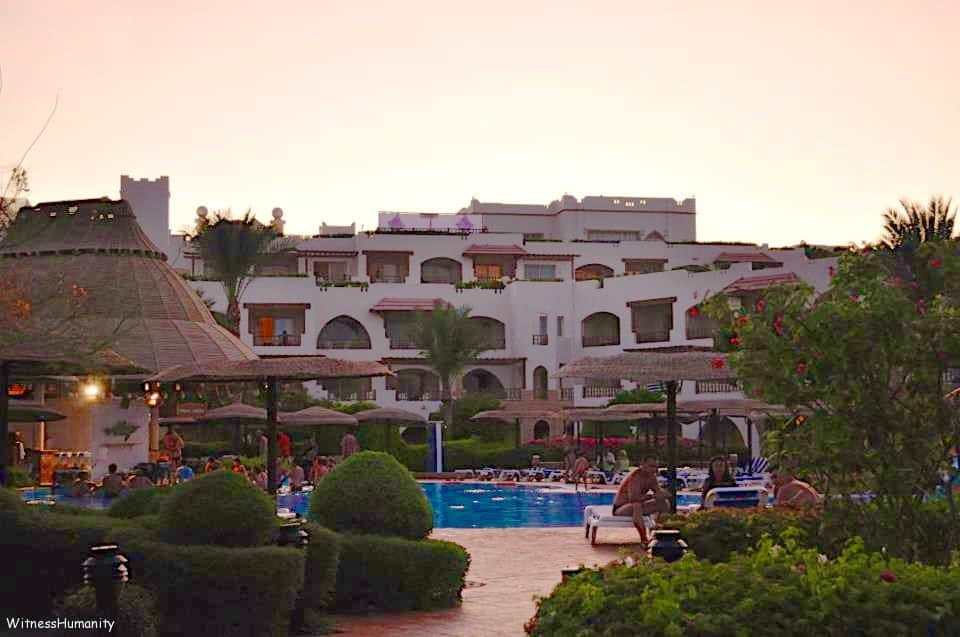 Why We Don't Like Resorts- (Part I) Our Top 5 Reasons NOT to Stay at a Resort